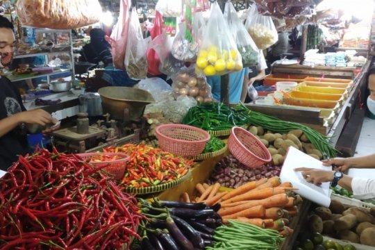 Cabai rawit merah tembus Rp100 ribu di Pasar Tebet Barat