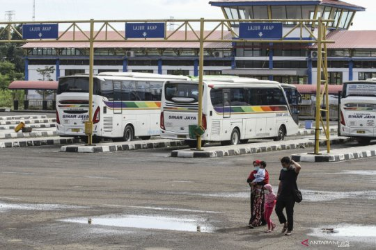 Penurunan penumpang bus AKAP selama PPKM