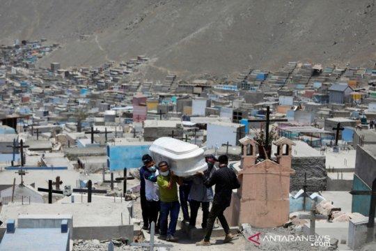 Peru memulai program imunisasi COVID-19 dengan vaksin Sinopharm