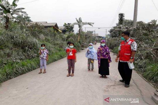 BPBD Boyolali bersihkan jalan terdampak abu Merapi