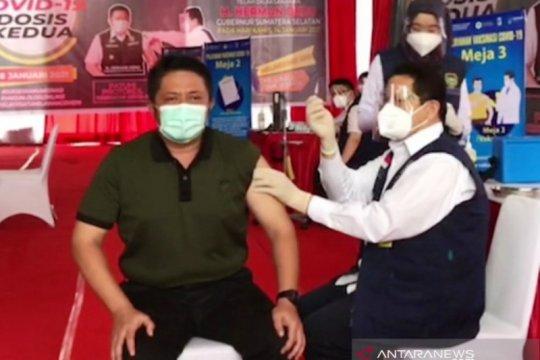 Gubernur Sumsel menerima suntikan vaksin COVID-19 dosis kedua