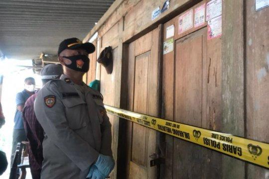 Polisi Blitar selidiki temuan sekeluarga diduga bunuh diri