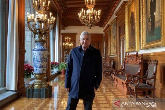"""Presiden Meksiko Lopez Obrador """"sembuh"""" dari COVID-19"""
