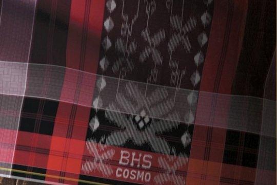 Sarung tenun kreatif diproduksi dukung program Bangga Buatan Indonesia