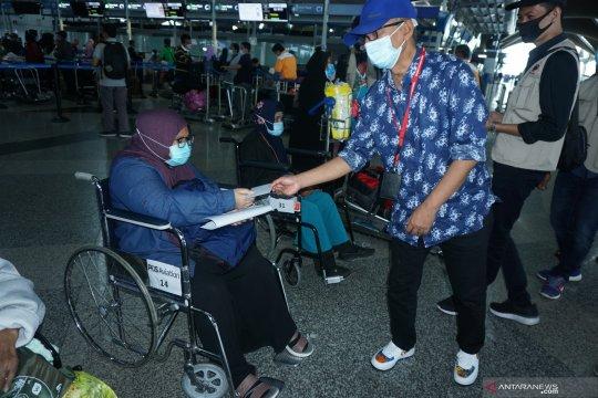 166 PMI pulang ke Surabaya dari Kuala Lumpur