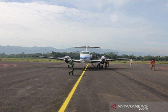 Pertama kalinya, pesawat mendarat di Bandara Jenderal Besar Soedirman