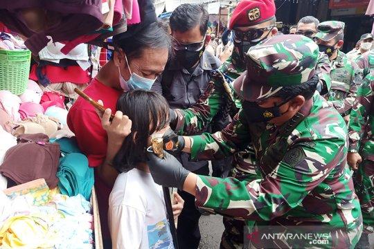 Wali Kota: 70 persen warga Jaktim disiplin gunakan masker