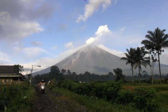 Penutupan pendakian Gunung Semeru diperpanjang hingga Maret 2021