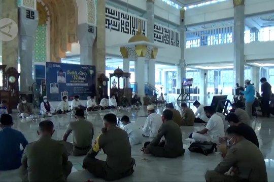 Umat muslim Kendari dari 353 masjid dzikir akbar
