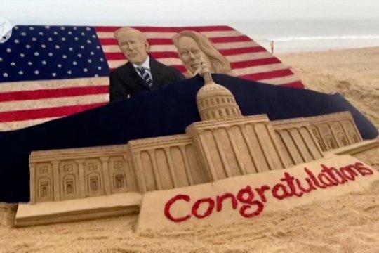 Patung pasir Biden-Harris terpampang di Pantai Puri Timur India