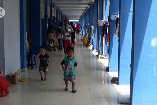 Pemda imbau pengungsi banjir Kalsel disiplin terapkan prokes