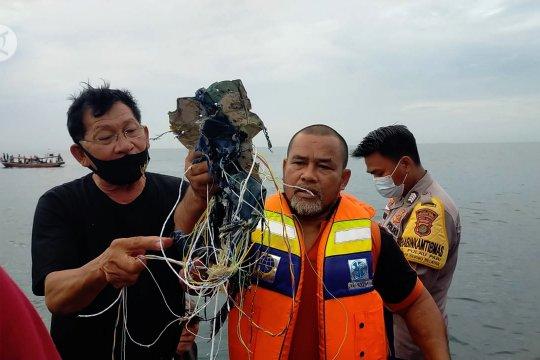 Petugas gabungan temukan puing di perairan Kep. Seribu