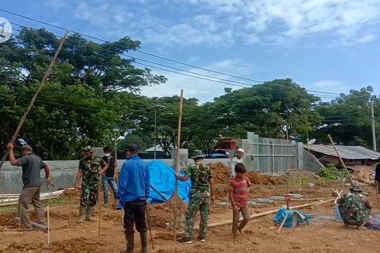 TNI bangun lokasi pengungsian di Mamuju