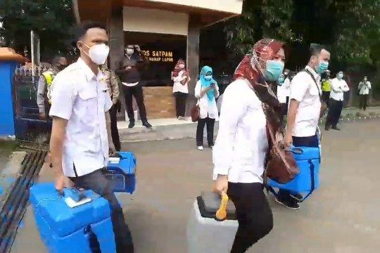 Jelang vaksinasi, Dinkes Kota Bandung distribusikan vaksin COVID-19 ke 80 puskesmas