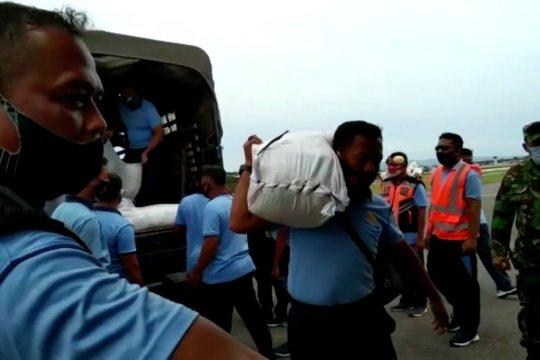 Lanud Haluoleo terbangkan 5 ton bantuan untuk korban gempa Sulbar