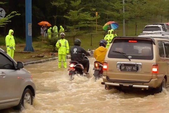 Batam banjir, Walikota akan lebarkan drainase