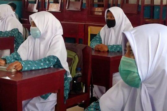 Sekolah tatap muka di Banda Aceh diminta tak bebani siswa