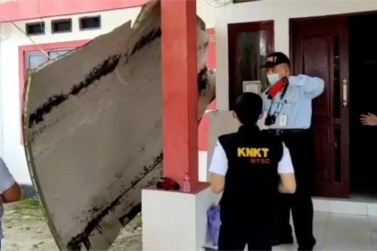 KNKT periksa temuan serpihan yang diduga bagian pesawat