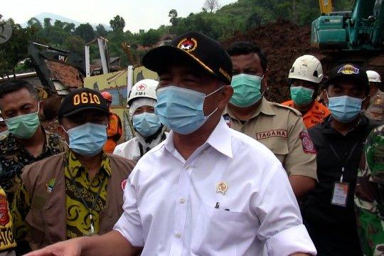Di lokasi longsor Sumedang Muhadjir Effendy ingatkan soal IMB