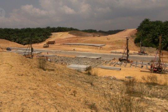 Melihat progres pembangunan tol di Riau