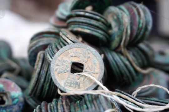 Ribuan keping uang logam kuno ditemukan di Pekalongan