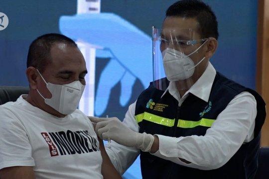 Gubernur dan Forkopimda awali vaksinasi COVID-19 perdana di Sumut