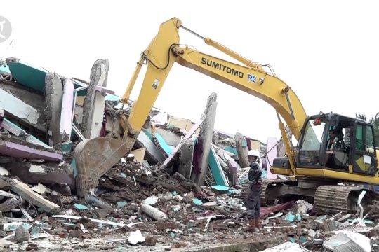 Tim SAR mulai kerahkan alat berat guna percepat evakuasi korban gempa Mamuju
