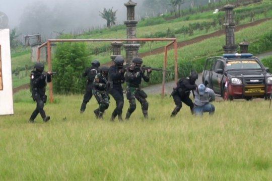 TNI-Polri simulasikan penanganan teroris