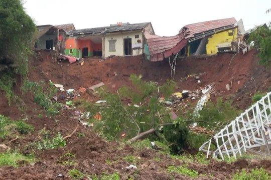 Longsor Cihanjuang Kabupaten Sumedang, 12 orang meninggal dunia