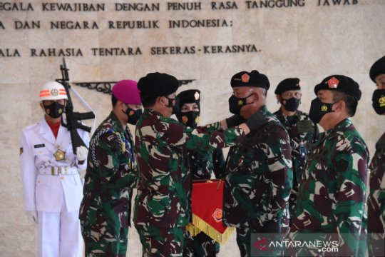 Panglima TNI serahkan jabatan Kasum TNI kepada Letjen Ganip Warsito