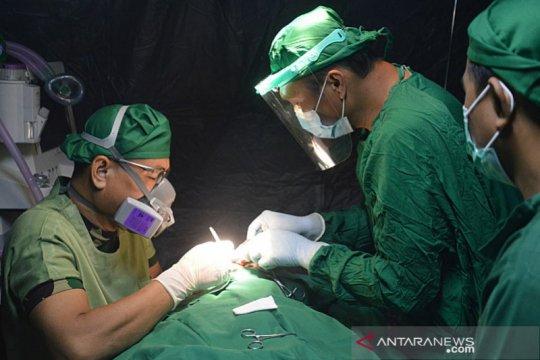 Rumah Sakit Lapangan TNI-AD kembali operasi enam warga korban gempa
