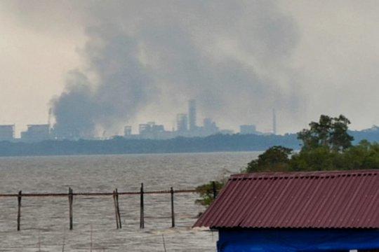 Pemkot Dumai tegur PT KID dan PT Meridan karena buang asap hitam