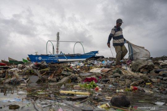 Komitmen Pemerintah untuk mengurangi sampah plastik