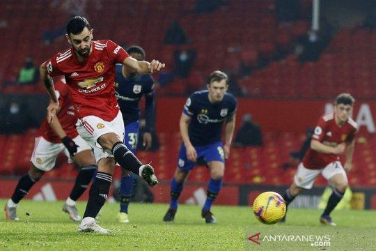 Manchester United bantai Southampton 9-0