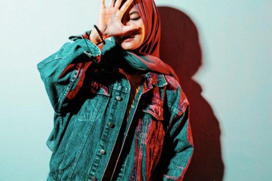 """Elfa Azha rilis lagu """"Terlalu Sakit"""" untuk korban Sriwijaya Air SJ182"""
