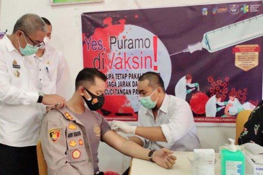 Kapolres akui lebih sehat usai terima vaksin COVID pertama di Enrekang