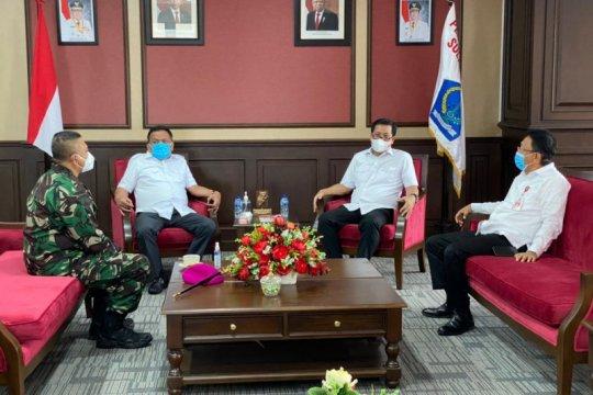Danlantamal VIII lakukan kunjungan ke Gubernur Sulut