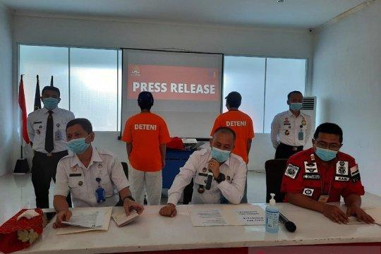 Imigrasi Jambi deportasi dua WNA asal China