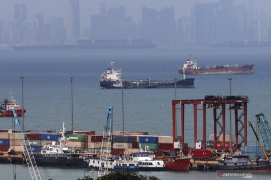Menko Luhut: 8 pelabuhan masuk Ekosistem Logistik Nasional tahun ini