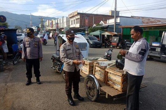 Ditbinmas Polda Aceh bagikan 11.820 masker
