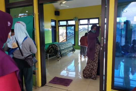 Dua warga ditemukan tewas terseret banjir Pasuruan
