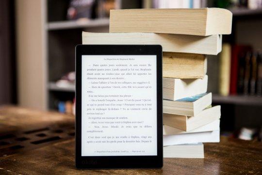 Menyiasati agar gawai dimanfaatkan untuk baca buku digital
