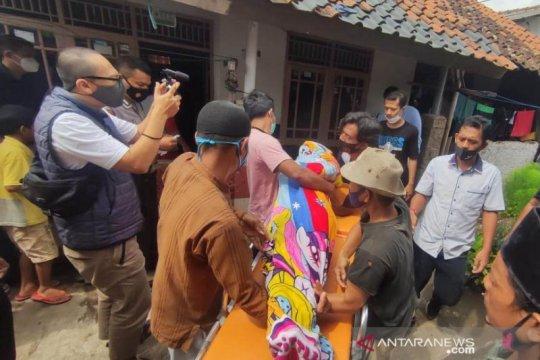 Ibu dan anak meninggal setelah konsumsi nasi tutug oncom
