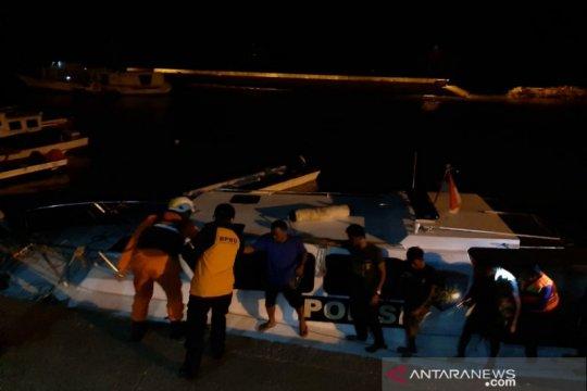 Satpolair Baubau evakuasi korban kecelakaan kapal terbalik
