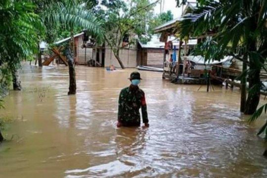 Koramil: Puluhan rumah terendam banjir di Seluas Bengkayang