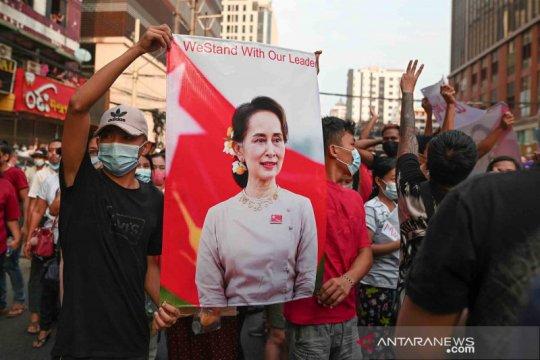 Suu Kyi tampak sehat, kata pengacaranya