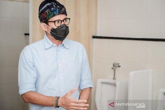 Menparekraf bersama Satgas Toilet perbaiki toilet di destinasi wisata