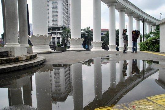 Jalur pedestrian Kebun Raya Bogor ditutup untuk pejalan kaki