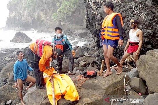 Tim SAR temukan nelayan yang tenggelam di selatan Nusakambangan