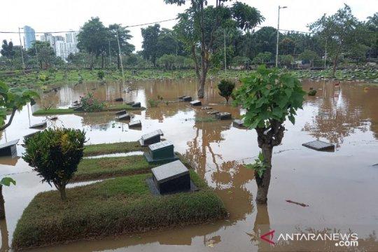 Kemarin, Artis MR ditangkap polisi hingga banjir di Jakarta